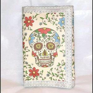 NWT! Cream Sugar Skull Tri-Fold Wallet